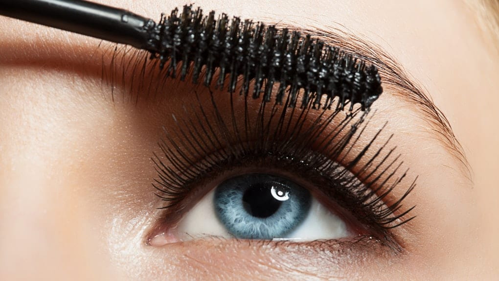 How to Apply False Lashes like a Pro